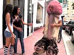 Big Cock Walking On The Streets Of Miami!^beeg