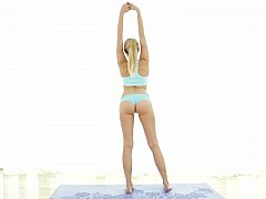 Super Flexible Beautiful Yoga Expert In Love^beeg